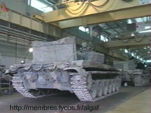 تطور الصناعة الجزائرية العسكرية الثقيلة  بشكل ملحوظ من الشراكة الى الاعتماد الذاتي الكلي . T7200010