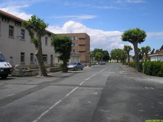 [Divers écoles de spécialités] Caserne Martrou Rochefort - Page 11 P1010035