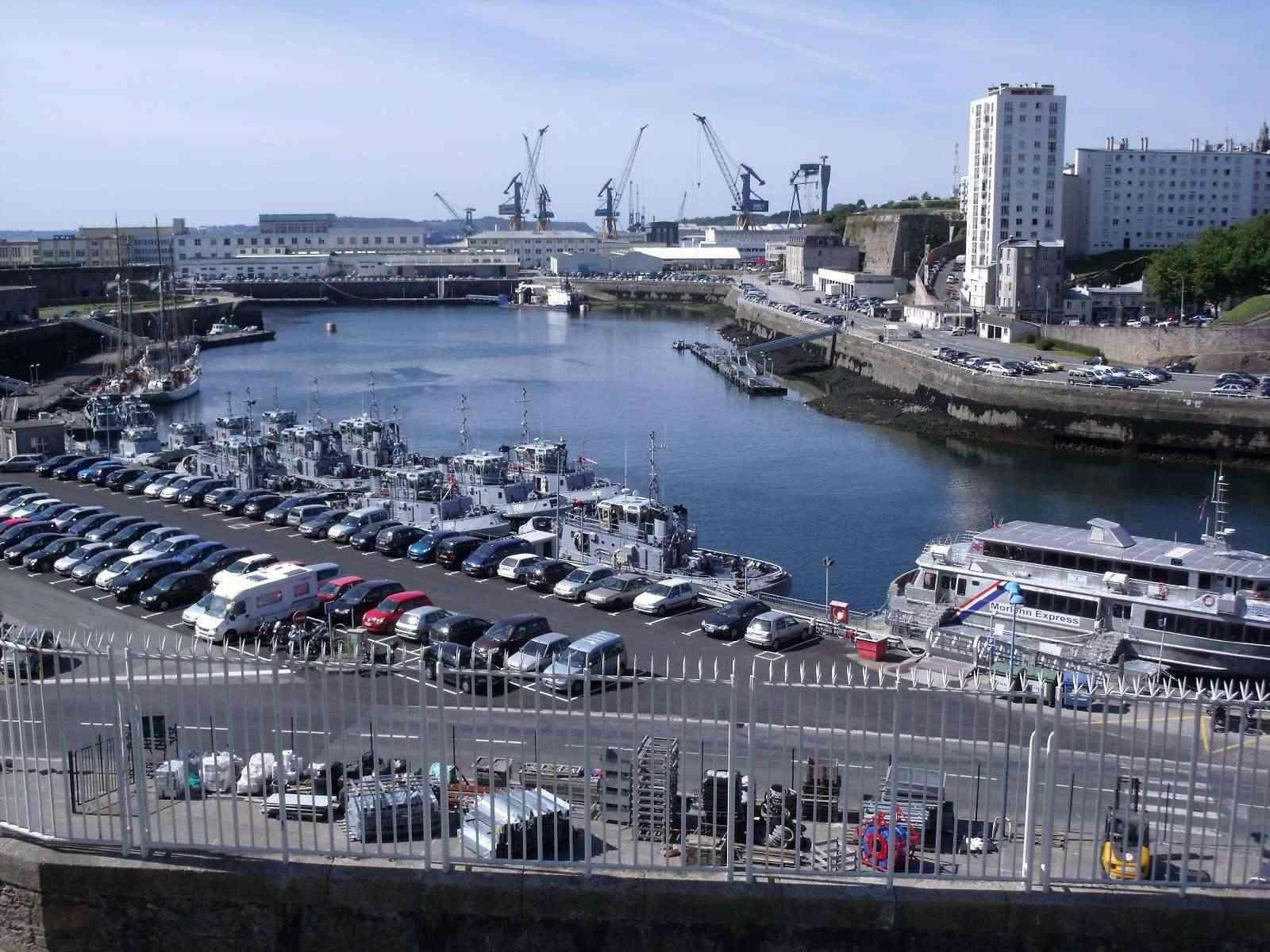 [Vie des ports] BREST Ports et rade - Volume 001 - Page 6 Aout_026