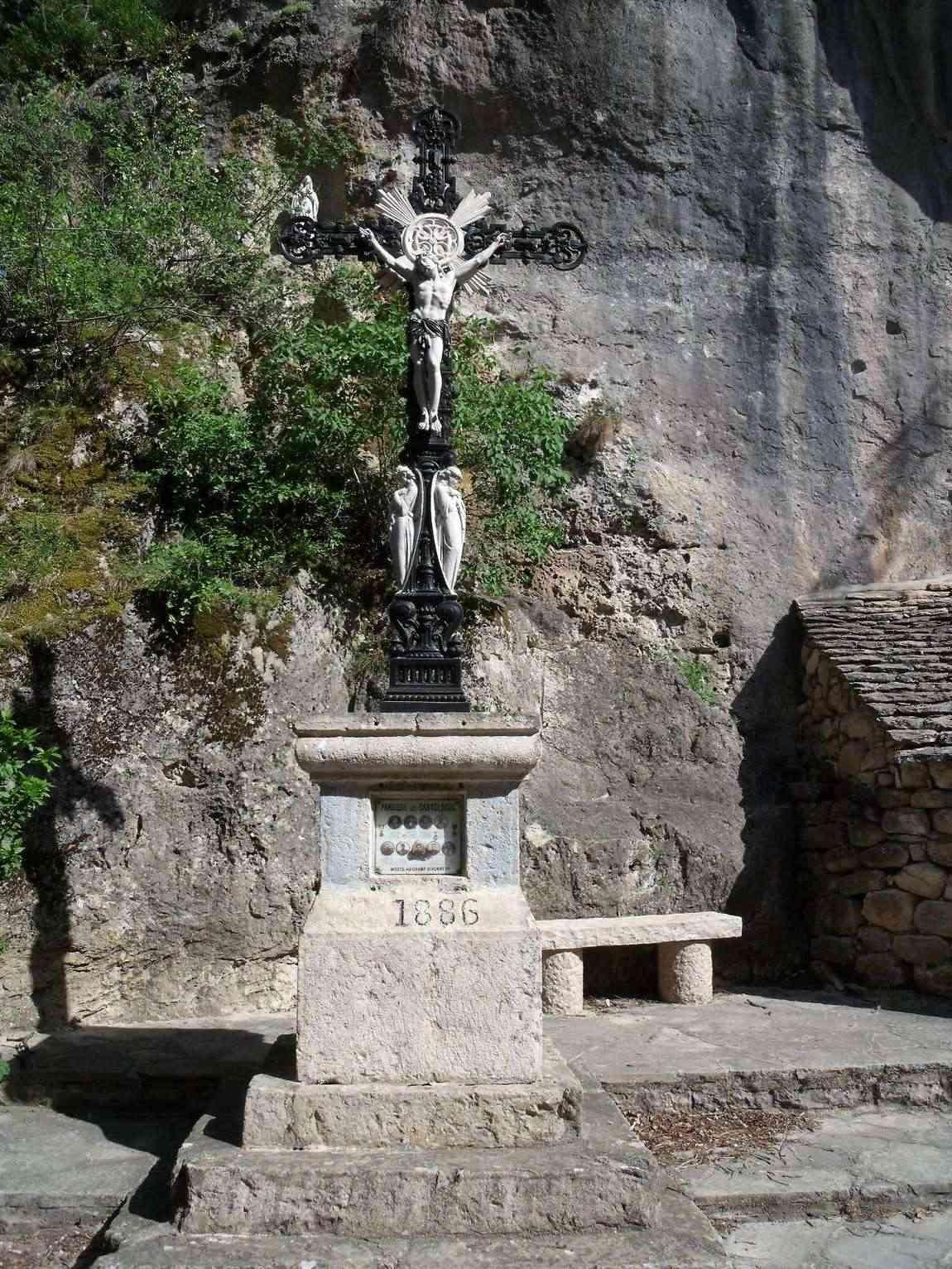 [Histoires et Histoire] Monuments aux morts originaux Français Tome 1 - Page 3 Jardin10
