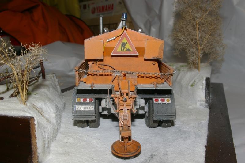 Chasse neige volvo N10 en plein boulot Imgp3039