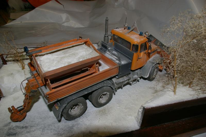 Chasse neige volvo N10 en plein boulot Imgp3041