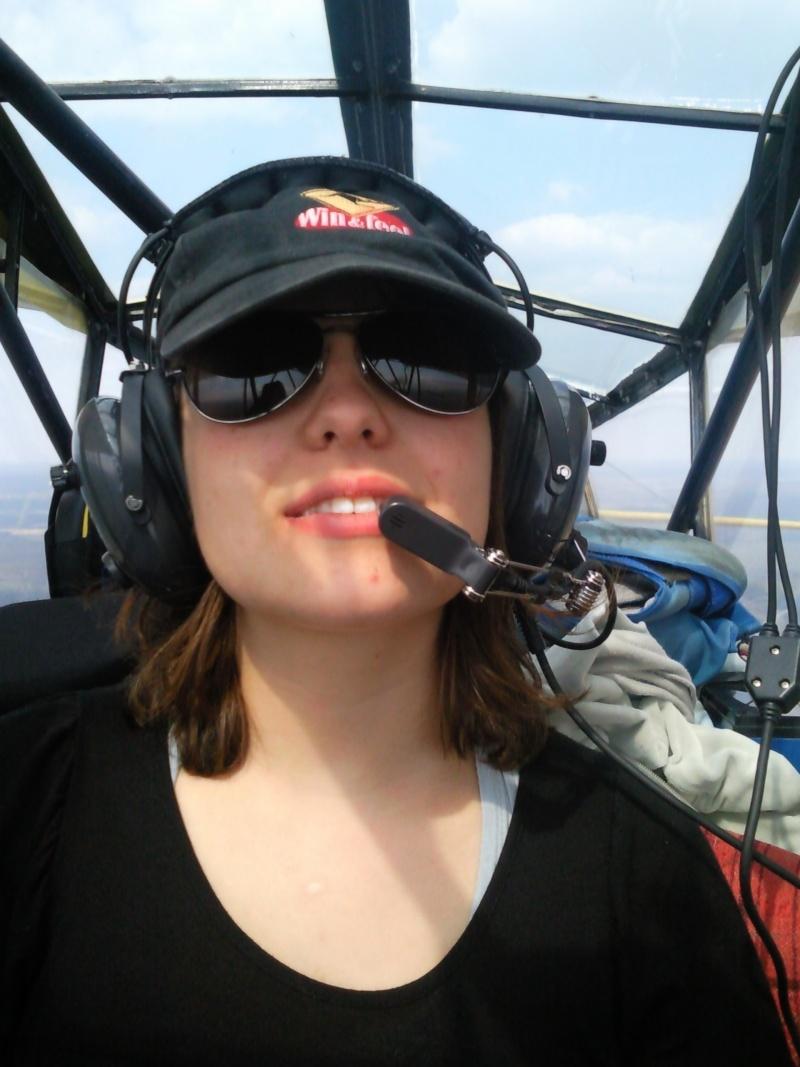 Concours Photos du mois de Juillet:Les  Filles et les avions Photo010