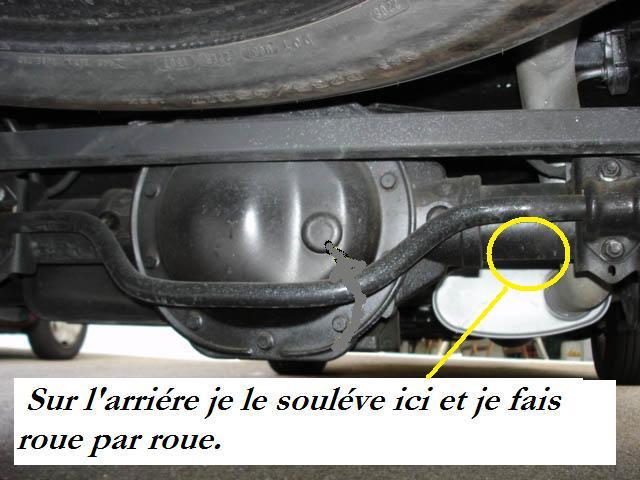 remplacement plaquettes de frein AV (et bientot AR...) - Page 5 Huiled11