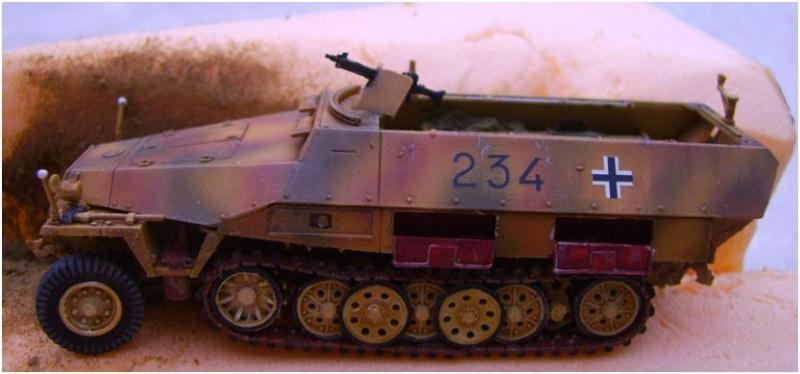 sdkfz 251 D dragon 1/72° Sd1010