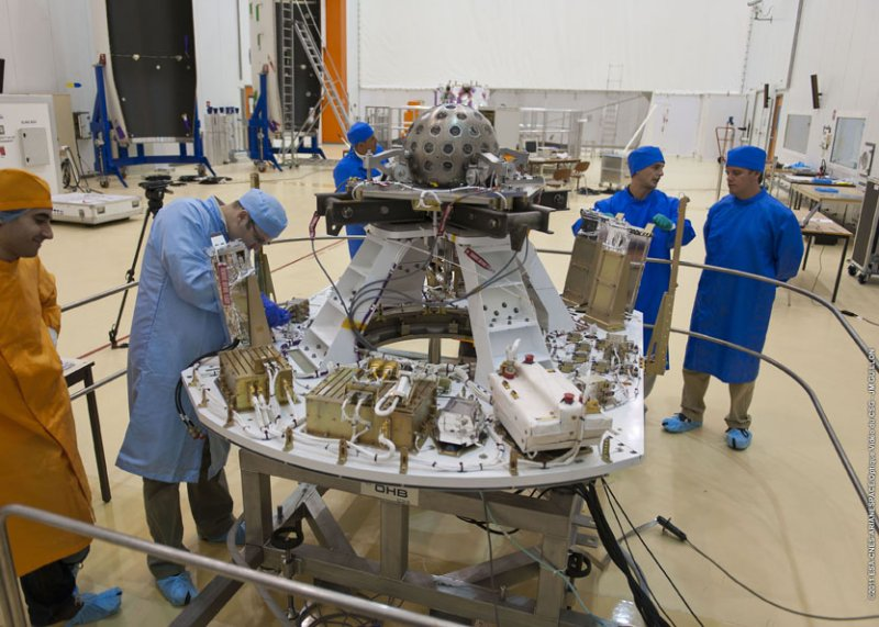 Vega VV01 (LARES + ALMASat-1 + 7 cubesats) - 13.2.2012 Image421