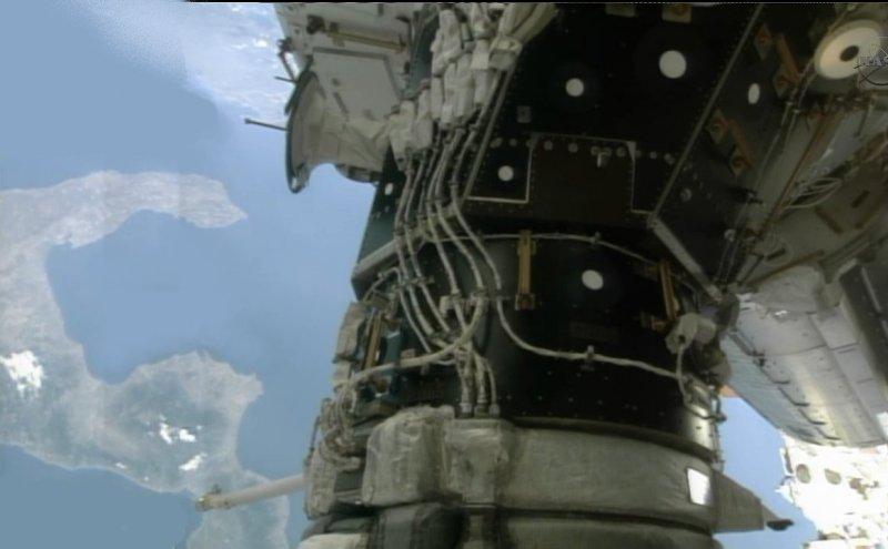 [STS-135] Atlantis: Déroulement de la mission.   - Page 2 Image810