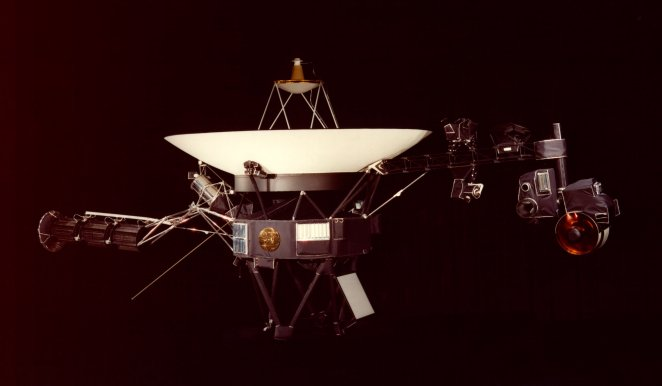 Veillissement des matériaux dans l'espace ? Voyage10