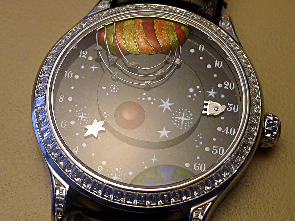 Van Cleef & Arpels: Complication Poétique De la Terre à la Lune Aclose11