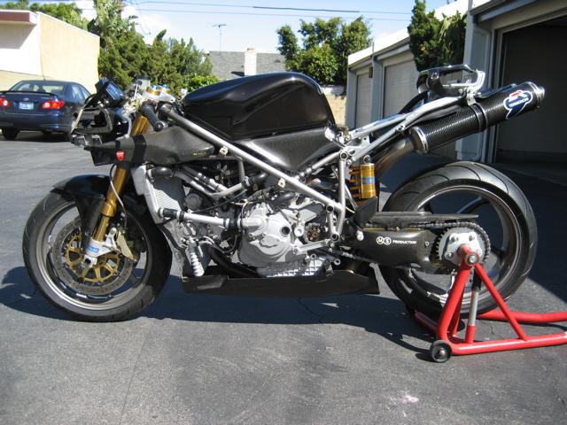 Superbike Ducati 916, 996, 998 et 748 - Page 5 2001-d10