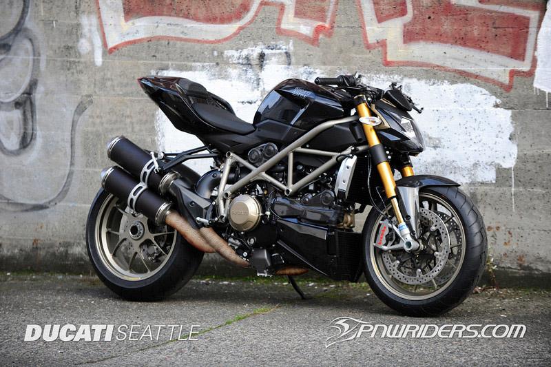 Ducati 848 Streetfighter 2012... 2heyps10