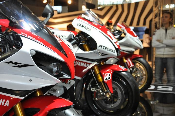 Salon de la Moto - Paris- Pte de Versailles 15ème Arrdt- FRANCE !! - Page 3 Dsc_0010