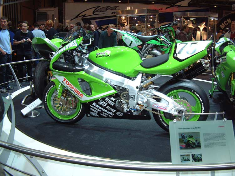 Machines de courses ( Race bikes ) - Page 8 Show-010