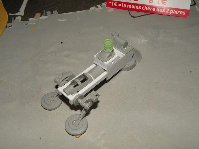 Robot marcheur....début de la fin de la peinture..... !!! Dscn9132