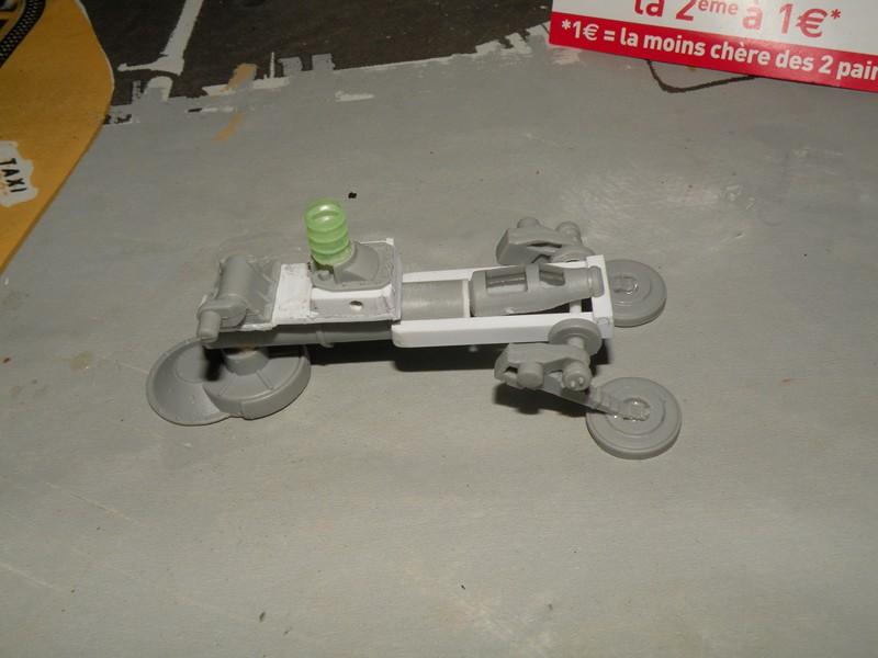 Robot marcheur....début de la fin de la peinture..... !!! Dscn9133