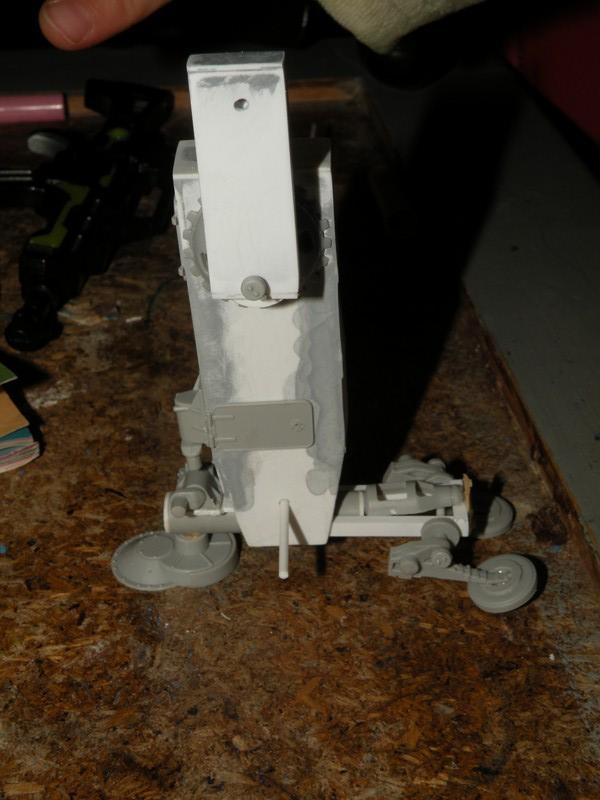Robot marcheur....début de la fin de la peinture..... !!! Dscn9138