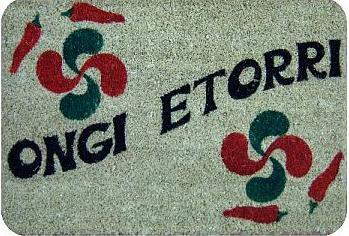 Je m'présente je m'appelle henri... non... Tutti ![présentation de tuttilibre] Ongi_e11