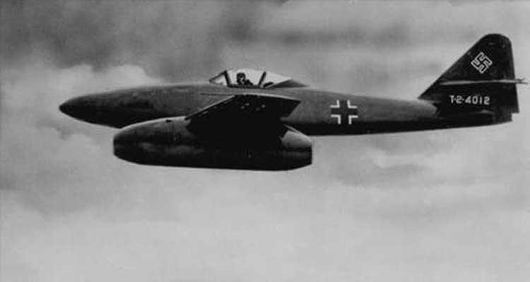 PILOTOS REPUBLICANOS ESPAÑOLES EN LA URSS Me26210