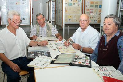 Kulis mit Kompass und Orden aus Kuweit 20080713