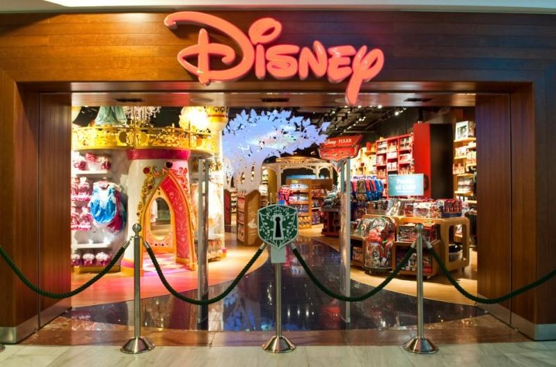 [Boutique Disney Store] Lyon - Page 3 30198010