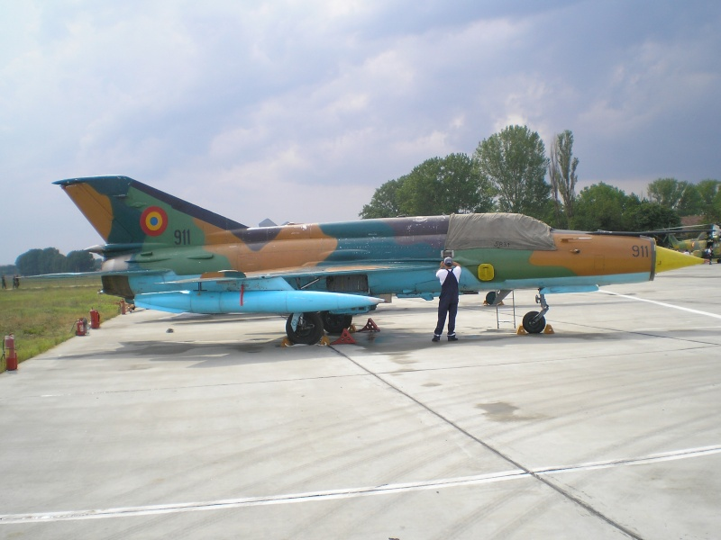 Aeronave militare P6280517