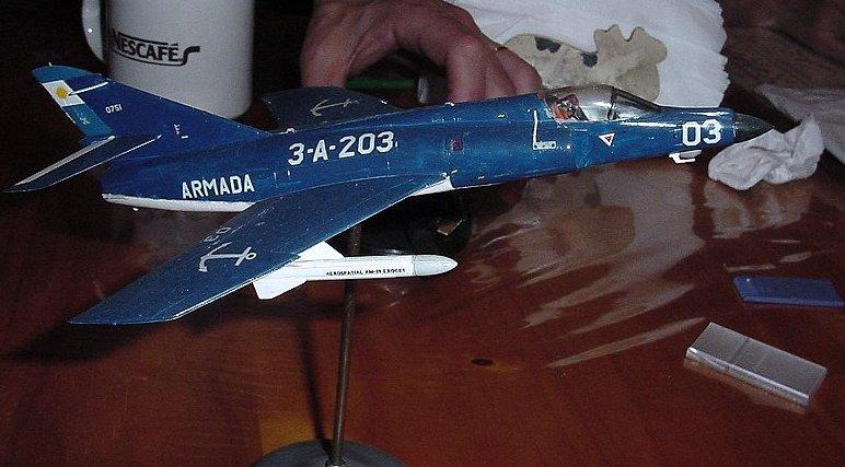 Modelismo Aeronaval - Armada Argentina - Página 4 Dsc05910