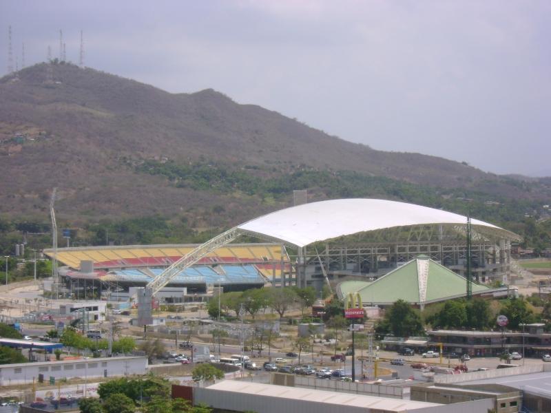 Puerto la Cruz | Estadio José Antonio Anzoátegui | 36.000 Dsc00710