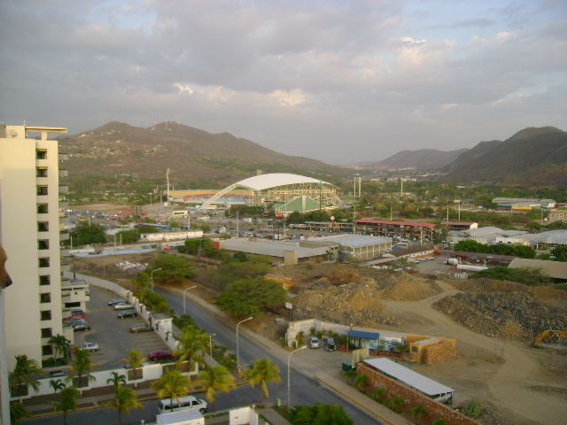Puerto la Cruz | Estadio José Antonio Anzoátegui | 36.000 Dsc01610