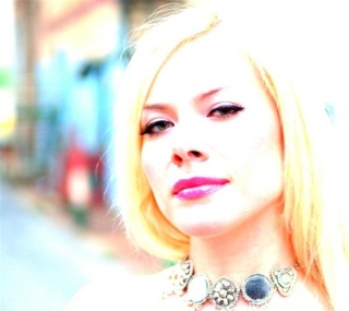 Amanda Somerville - Entrevista exclusiva para o Promised Land! Amanda10