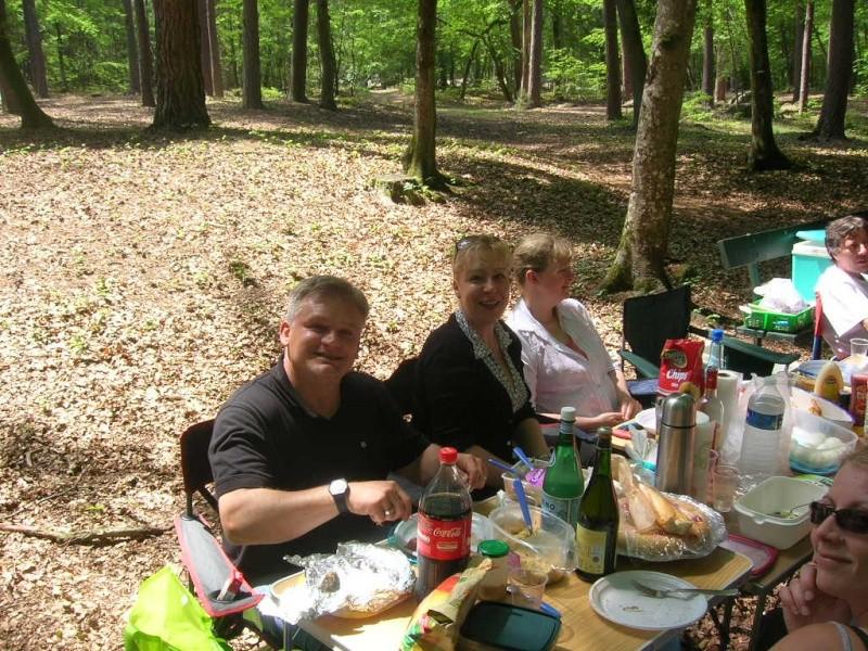 Barbizon 77 - Pique-nique en famille le dimanche 27 mai 2012 Dscn6617