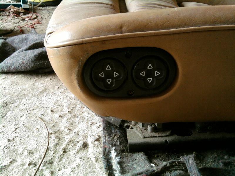 siege 911 cuir beige electrique Sp_a0613