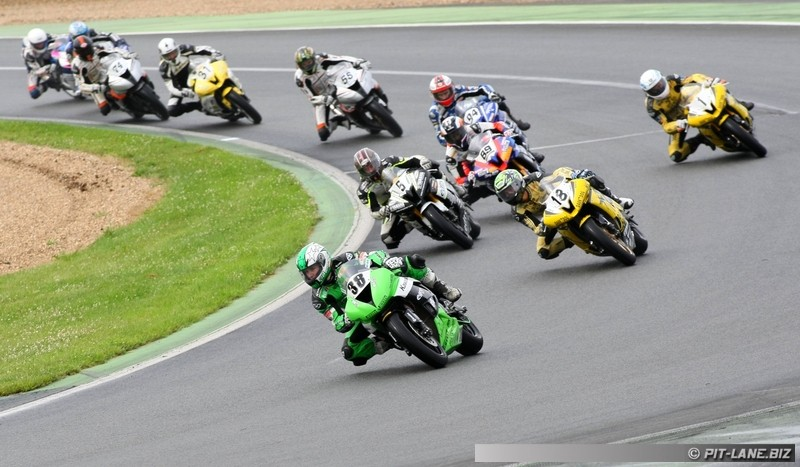 [FSBK] Magny-cours 30/06-01/07 - Page 2 Img_0404