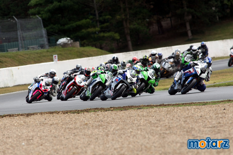 [FSBK] Magny Cours, 17 juillet 2011 - Page 3 Img_0410