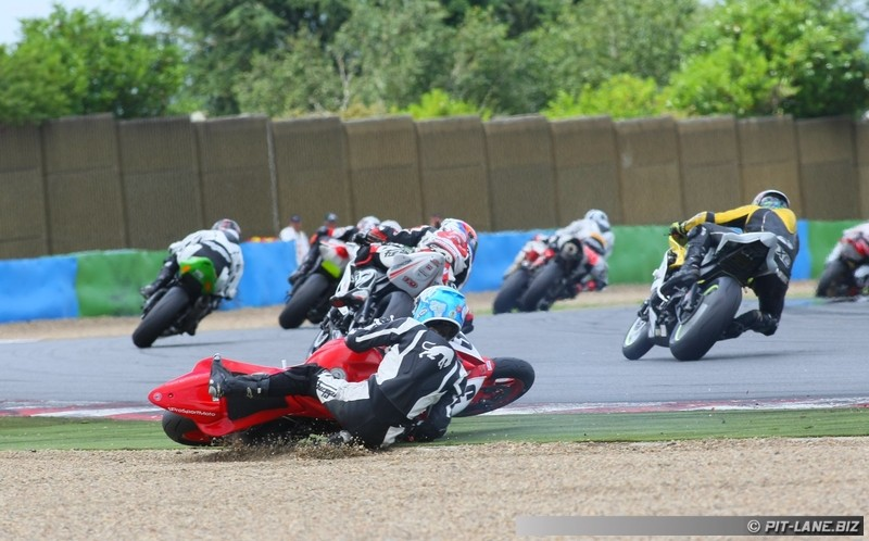 [FSBK] Magny-cours 30/06-01/07 - Page 3 Img_0474