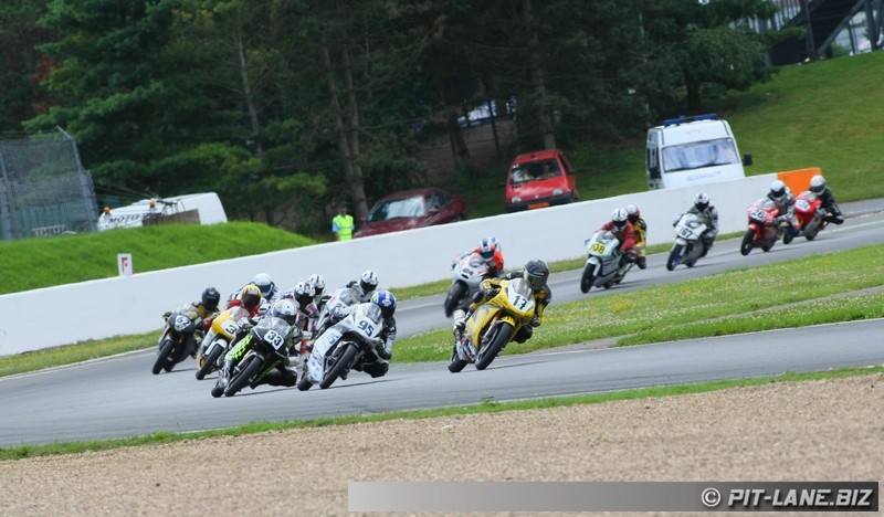 [FSBK] Magny-cours 30/06-01/07 - Page 3 Img_0484
