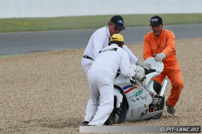 [FSBK] Magny-cours 30/06-01/07 - Page 3 Img_0487