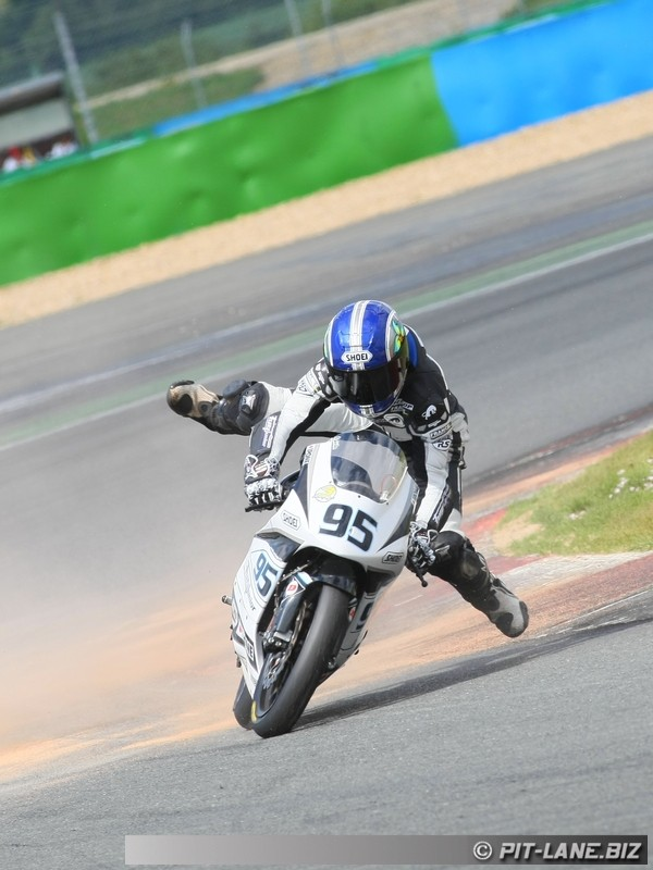 [FSBK] Magny-cours 30/06-01/07 - Page 3 Img_0489