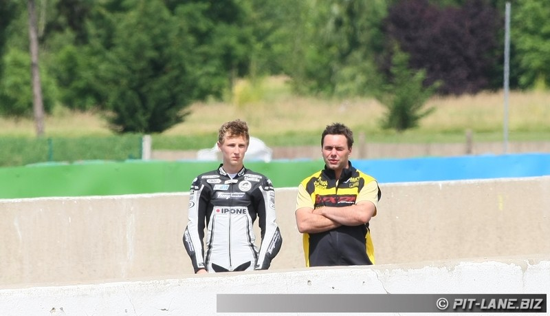 [FSBK] Magny-cours 30/06-01/07 - Page 3 Img_0490