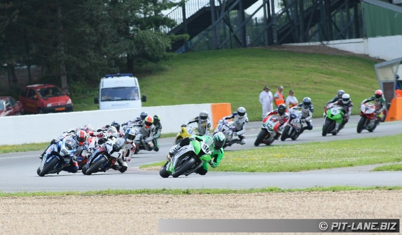 [FSBK] Magny-cours 30/06-01/07 - Page 3 Img_0494
