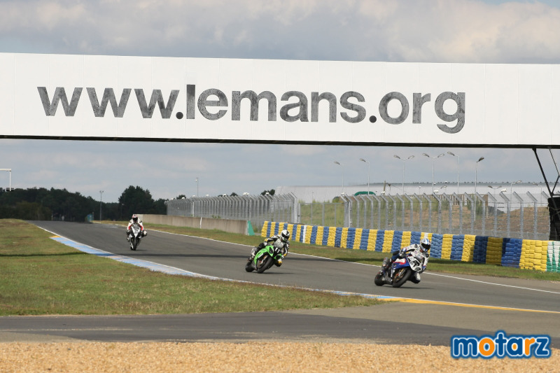 [Endurance] 24 heures du Mans, 24 et 25 septembre 2011 - Page 2 Img_0711