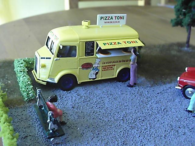 Diorama Citroen Type H Pizza Pic00510