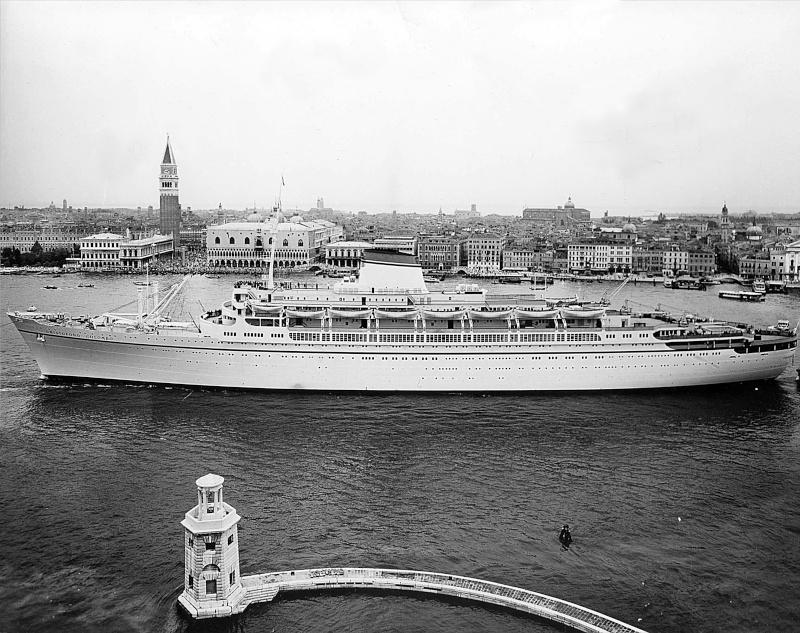 'Cristoforo Colombo' - Italia nav. - 1953 019bia10