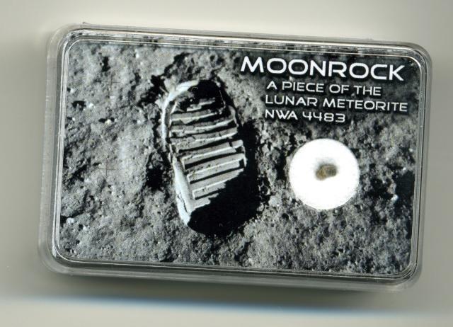 Météorites lunaires et martiennes Lune10