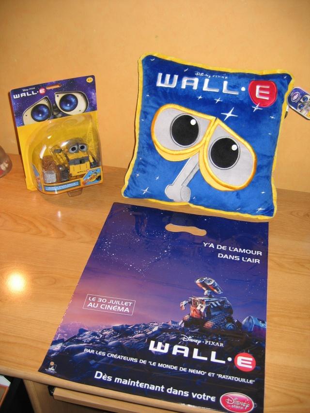 [Pixar] WALL•E - Sujet de pré-sortie - Page 19 Img_2210