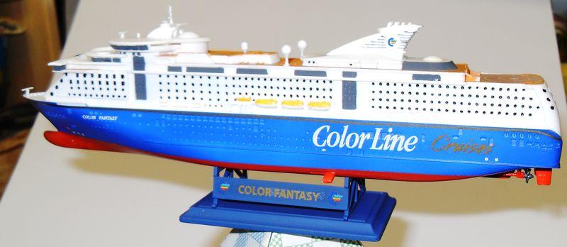 MS Color Fantasy Revell 1:1200  FERTIG Ms_col29