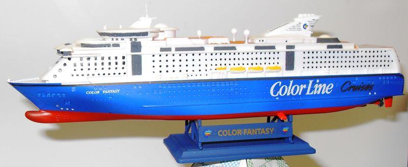 MS Color Fantasy Revell 1:1200  FERTIG Ms_col30