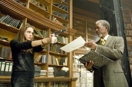 الفلم الشهير للممثلة أنجلينا جولي Wanted Wanted14