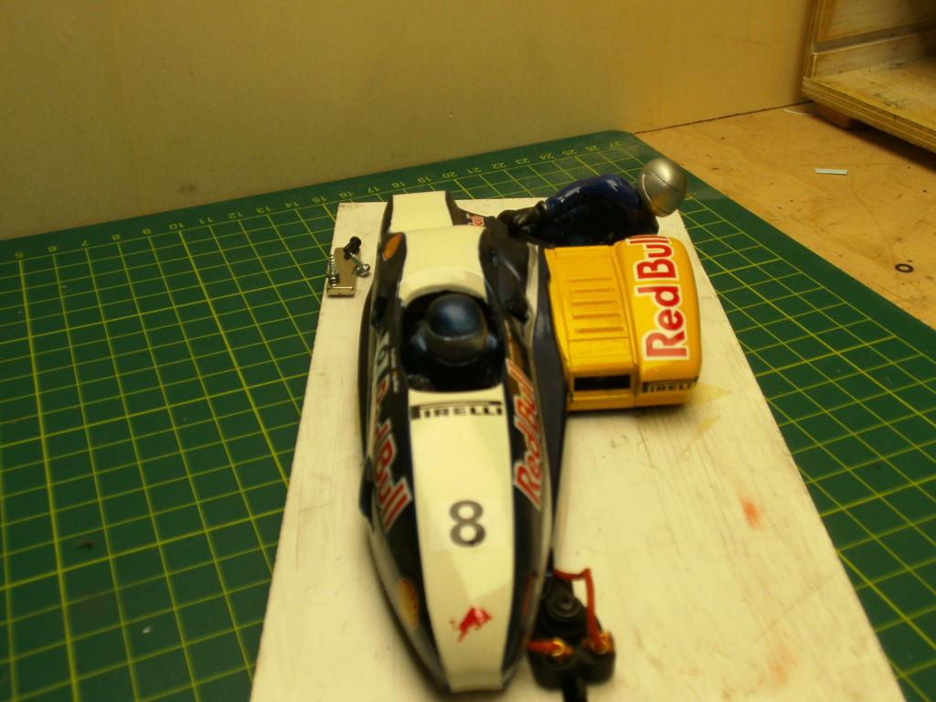 a vendre 2 scaleauto +1 side cars brm Pict0913