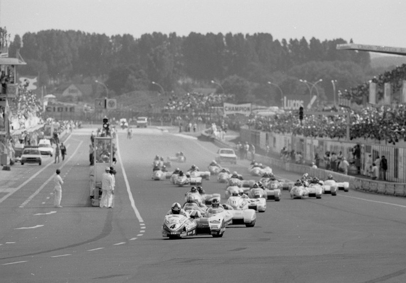 [FSBK] Magny-cours 30/06-01/07 - Page 3 1985_l10