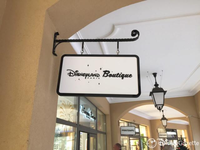 Les boutiques Disney Store FR en général - Page 21 Dlp-bo10